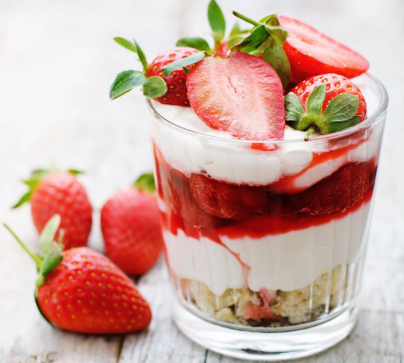 Ricetta dolci con le fragole facili veloci e golosi for Ricette facili dolci