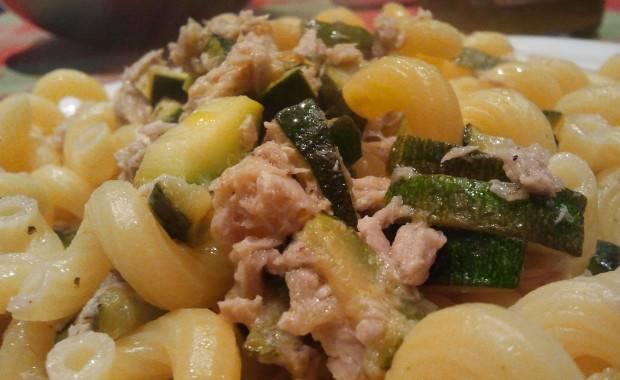 pasta con tonno e zucchine