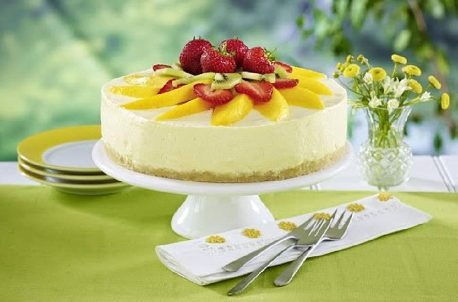 Torta allo yogurt e frutta fresca