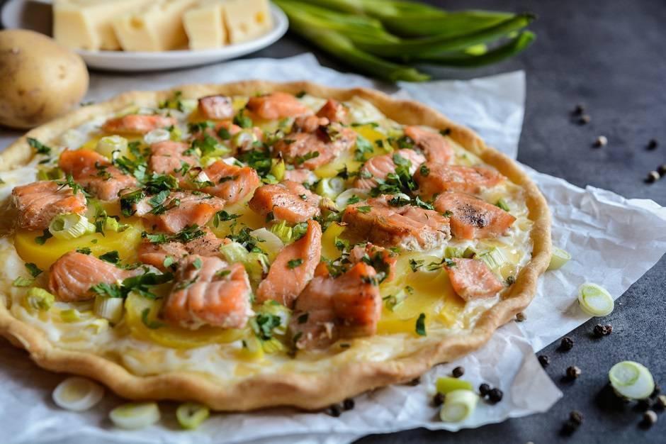 Torta salata di salmone fresco e patate