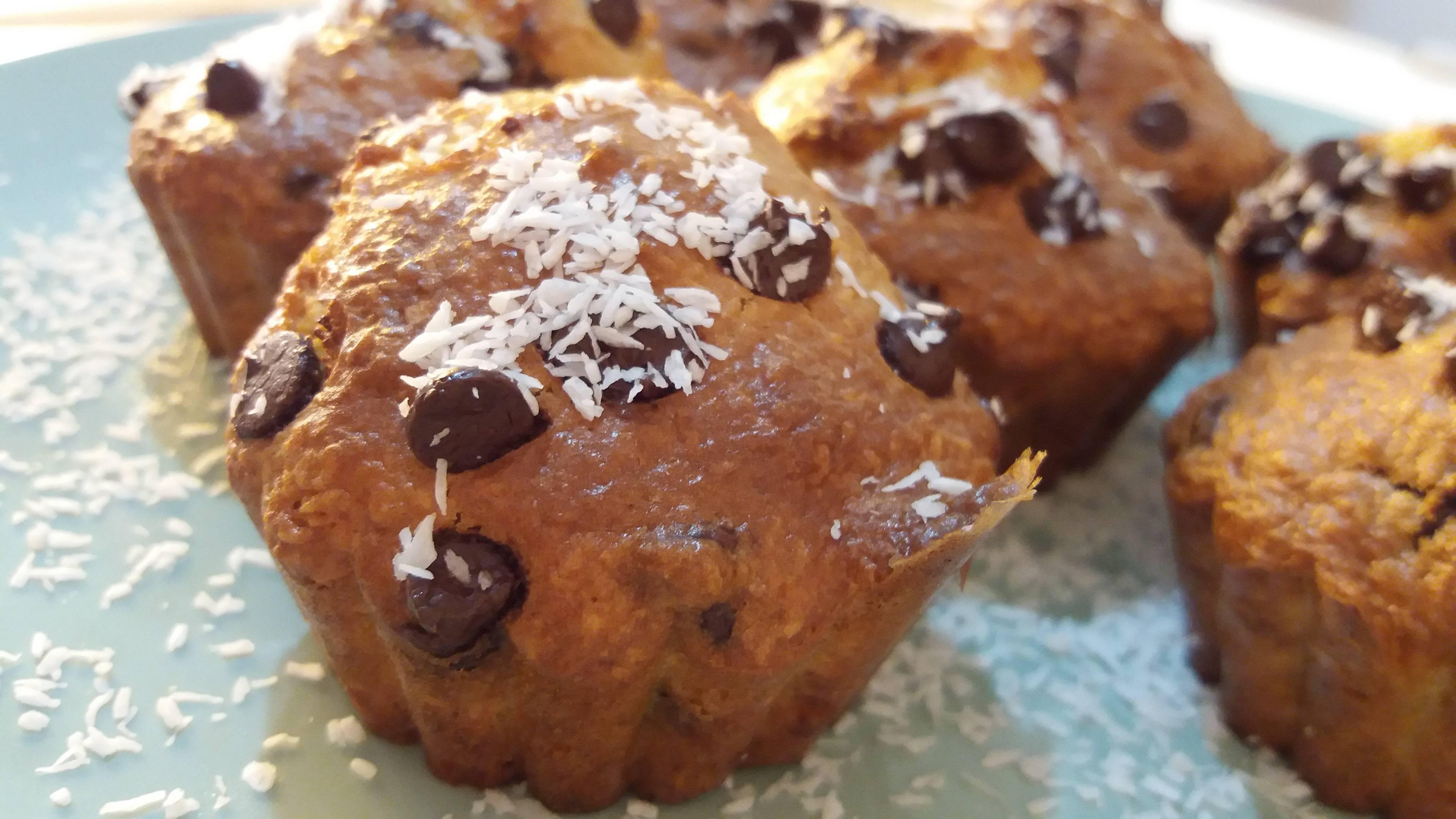 muffin al cocco con gocciole di cioccolato