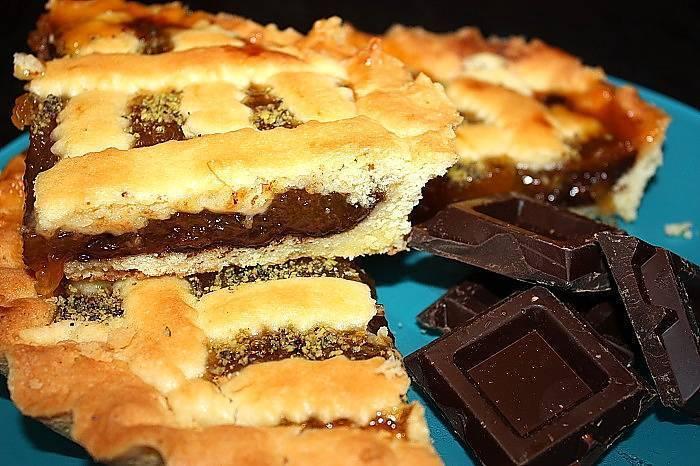 crostata alla albicocche e cioccolato