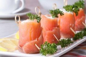 rotolini di salmone affumicato al formaggio