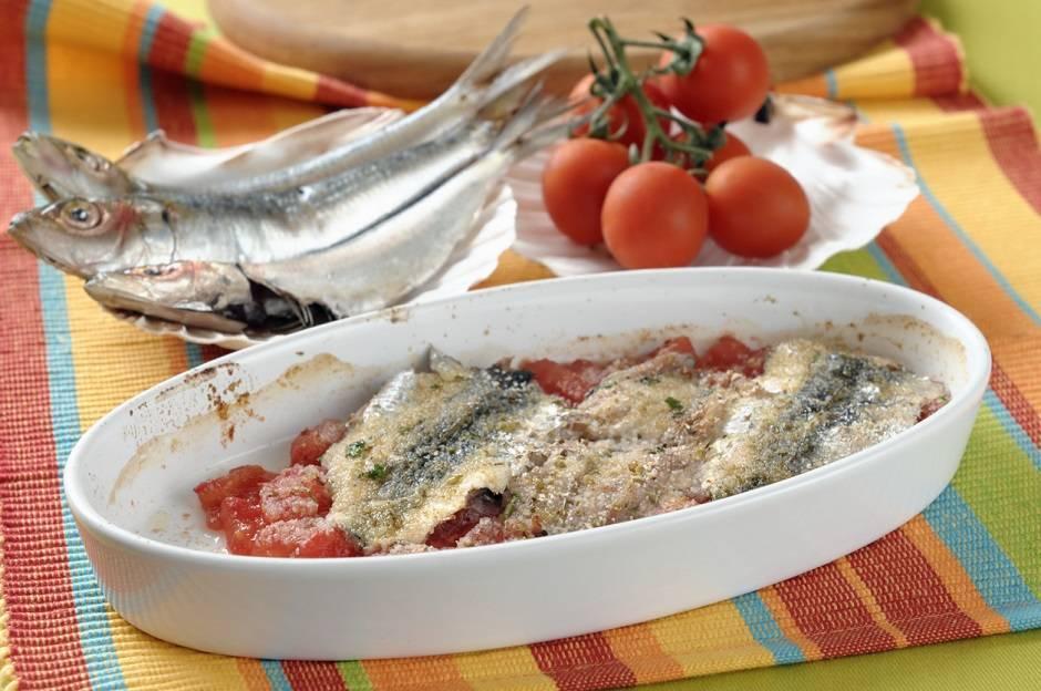 Tortino di sardine con patate e pomodorini