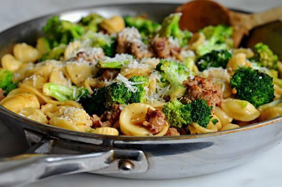 orecchiette piccanti con broccoli e salsiccia