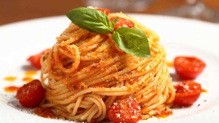 spaghetti con la salsa