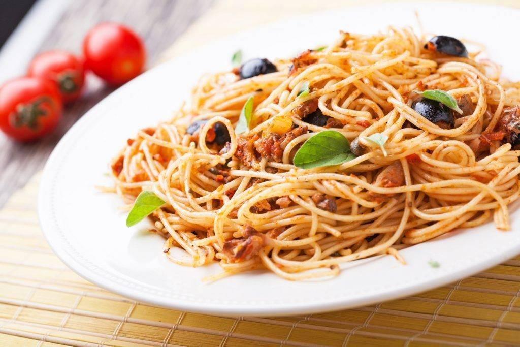 Spaghetti alle olive nere