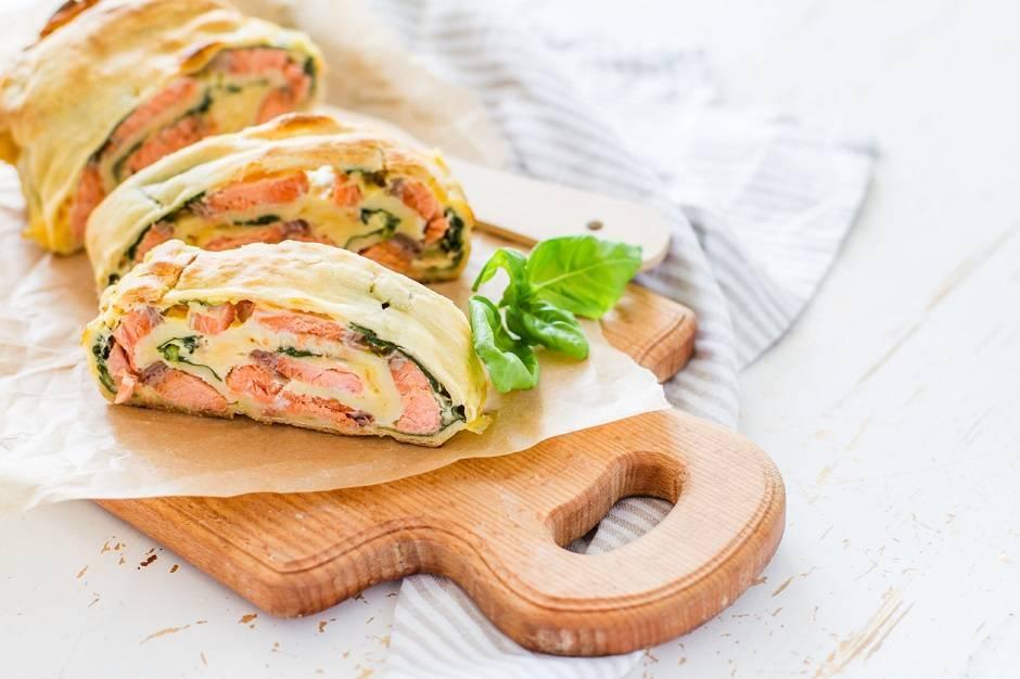 Strudel al salmone e spinaci