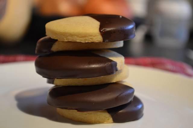 Biscotti all'arancia con cioccolato fondente al 70%