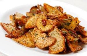 patate chips al forno con erbe aromatiche