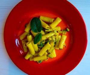 rigatoni curry e zucchine