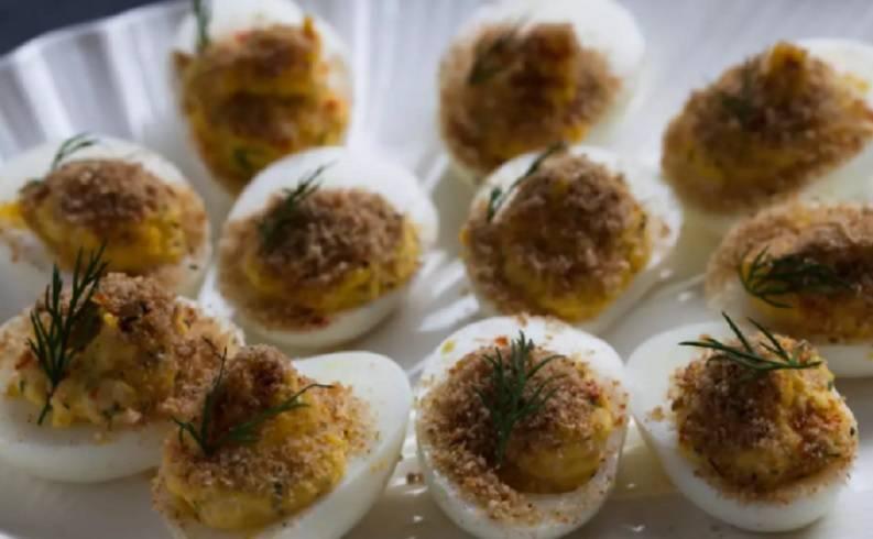 Uova Gratinate con Acciughe
