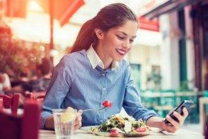 Dieta fuori casa: cosa mangiare per dimagrire
