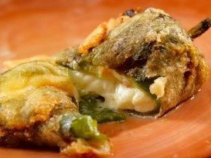 peperoni ripieni con mozzarella e alici