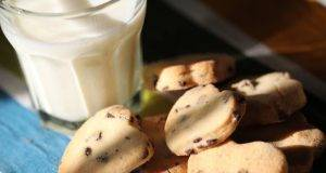 Biscotti con Gocciole di Cioccolato all'Acqua