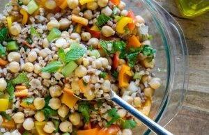 insalata di farro ceci e pomodorini