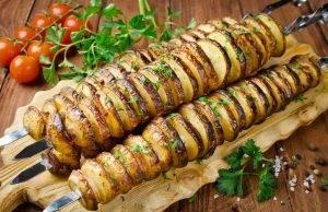 spiedini di patate al forno