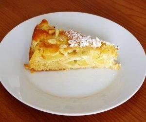 torta di mele e pinoli