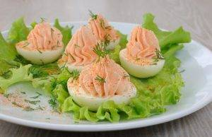 Uova Sode con Paté di Salmone
