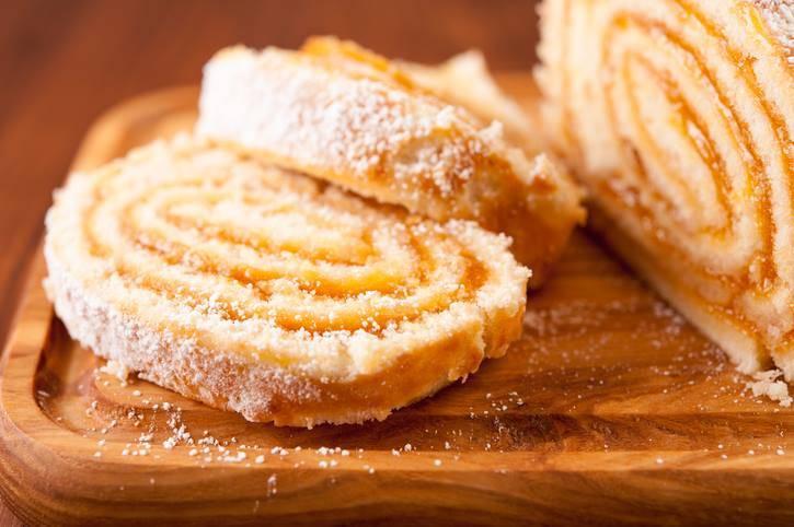 Rotolo Biscotto al Cocco con Confettura di Albicocche