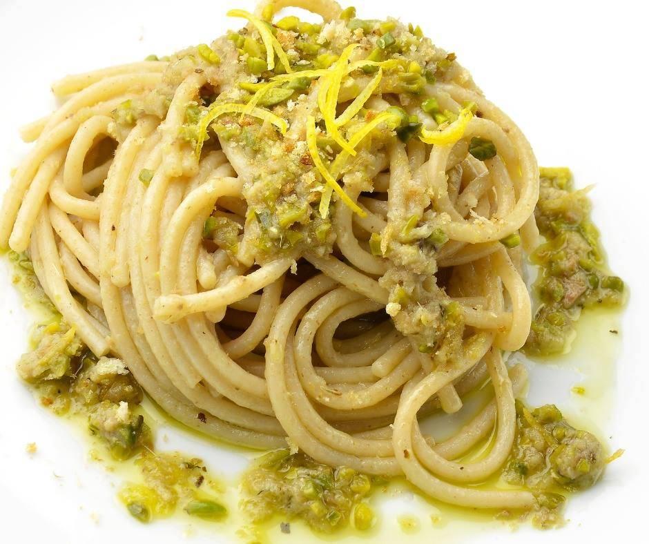 Spaghetti Limone Acciughe e Pistacchi