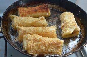 crepes fritte con mortadella e scamorza