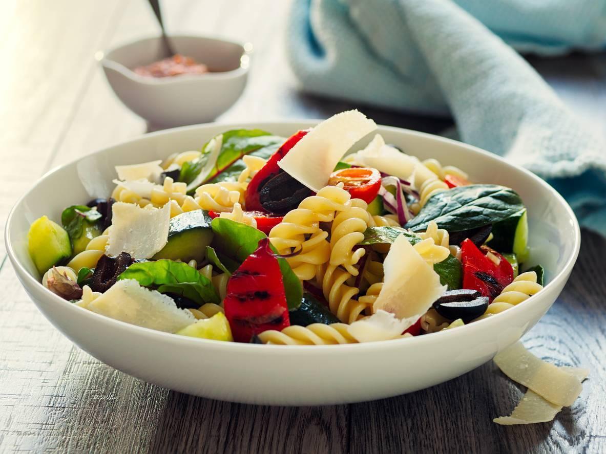 pasta fredda con verdure ed olive