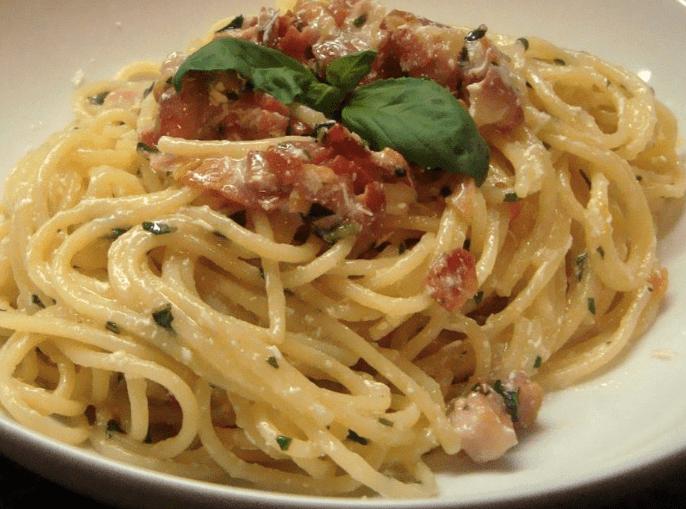spaghetti pancetta e pecorino