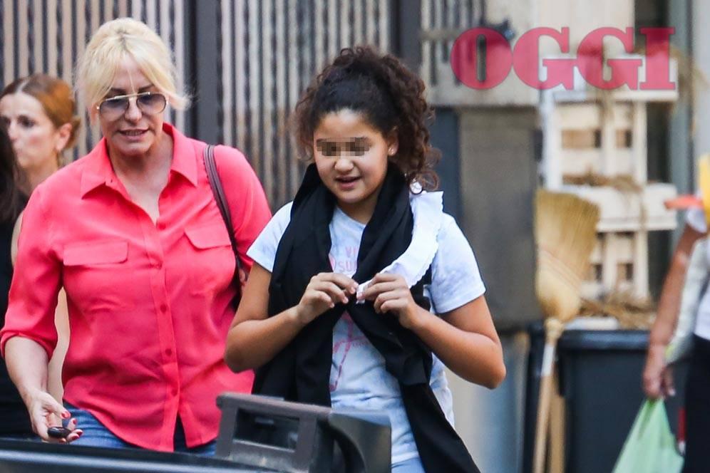 Antonella Clerici va a prendere Maelle a scuola - Foto Oggi