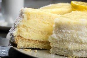 torta al limone con granella di cocco