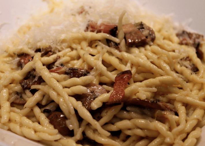 Trofie con Funghi e Pancetta