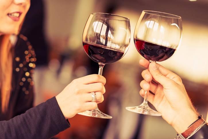 Cosa succede al cervello quando si beve troppo
