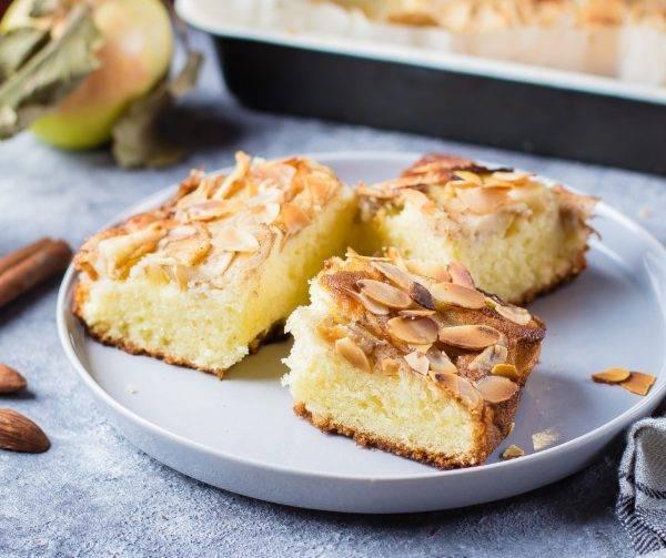 torta di mele facile con mandorle