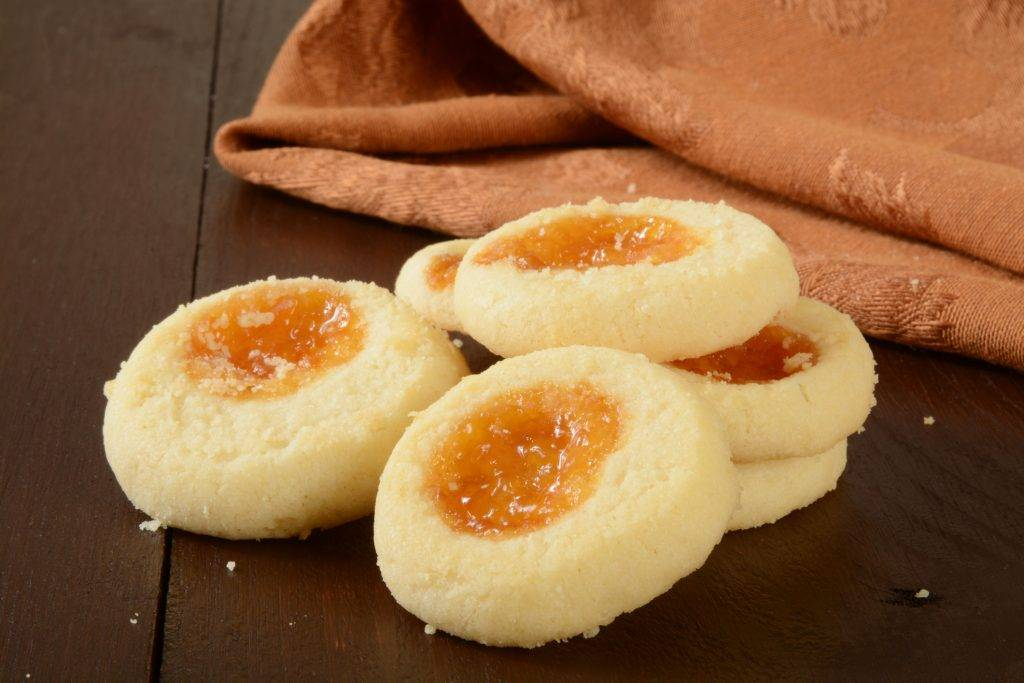 biscotti al cocco e marmellata