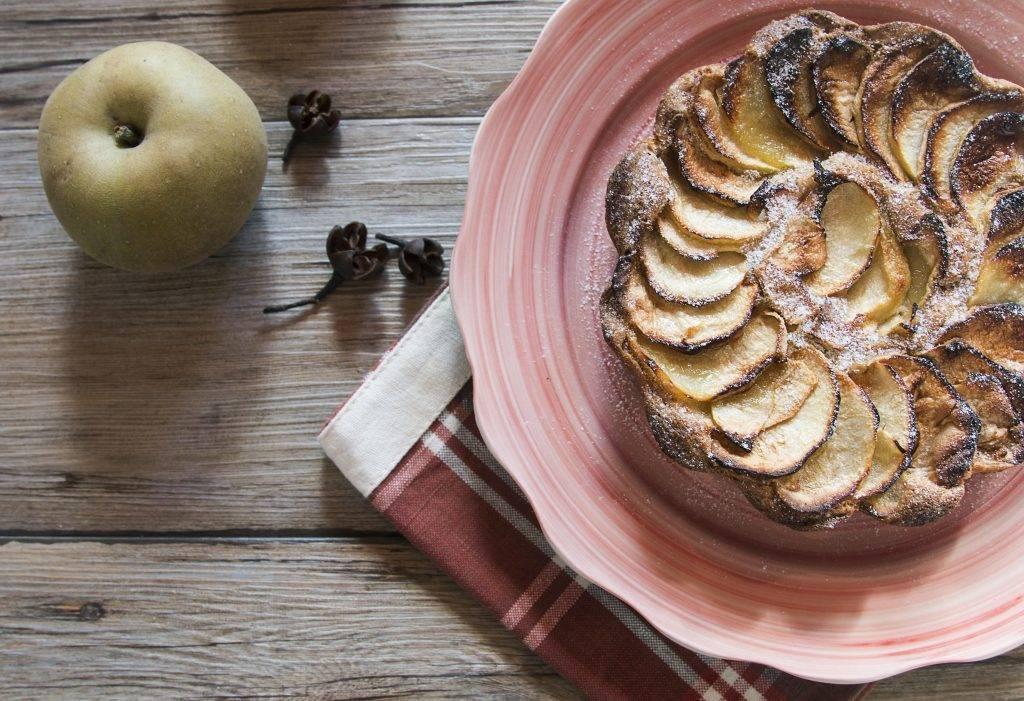 torta di mele al cacao