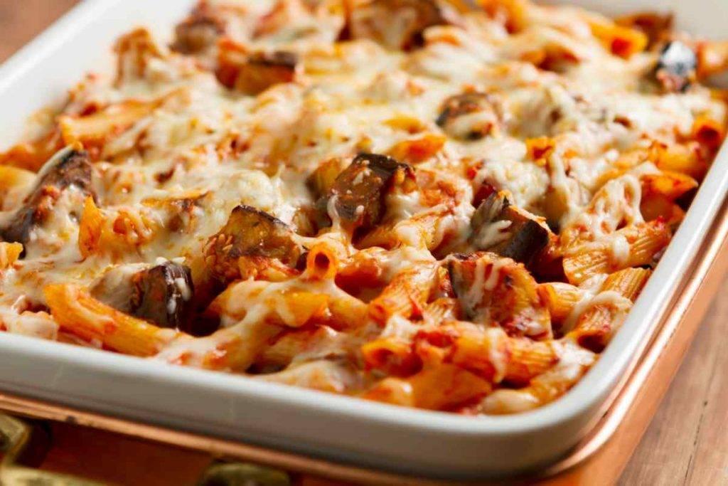 Pasta Melanzane e Mozzarella Filante