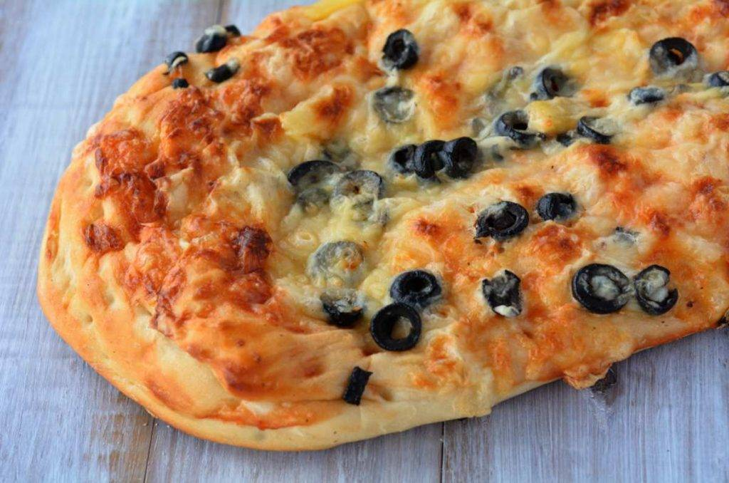 Rustico con carciofi ed olive