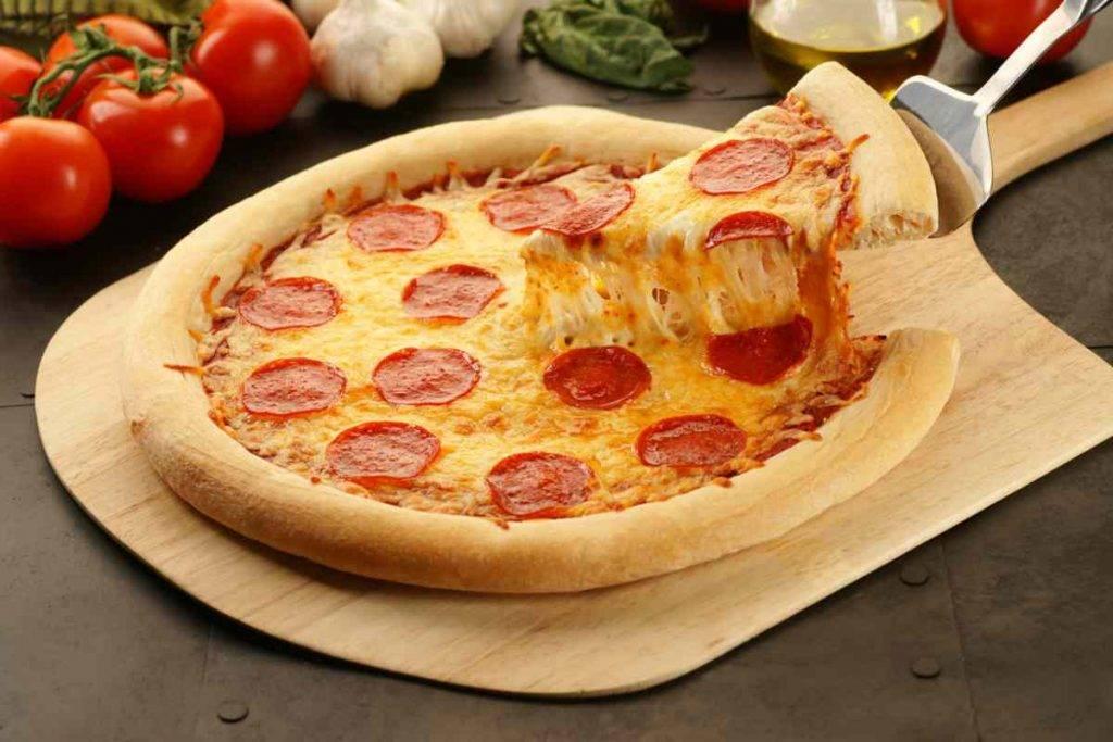 Pizza Salata Ricotta e Salame