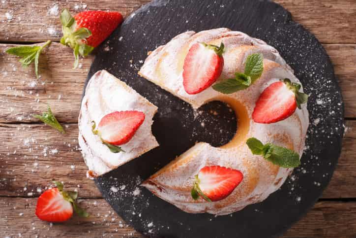 Torta Bundt fragole e ricotta