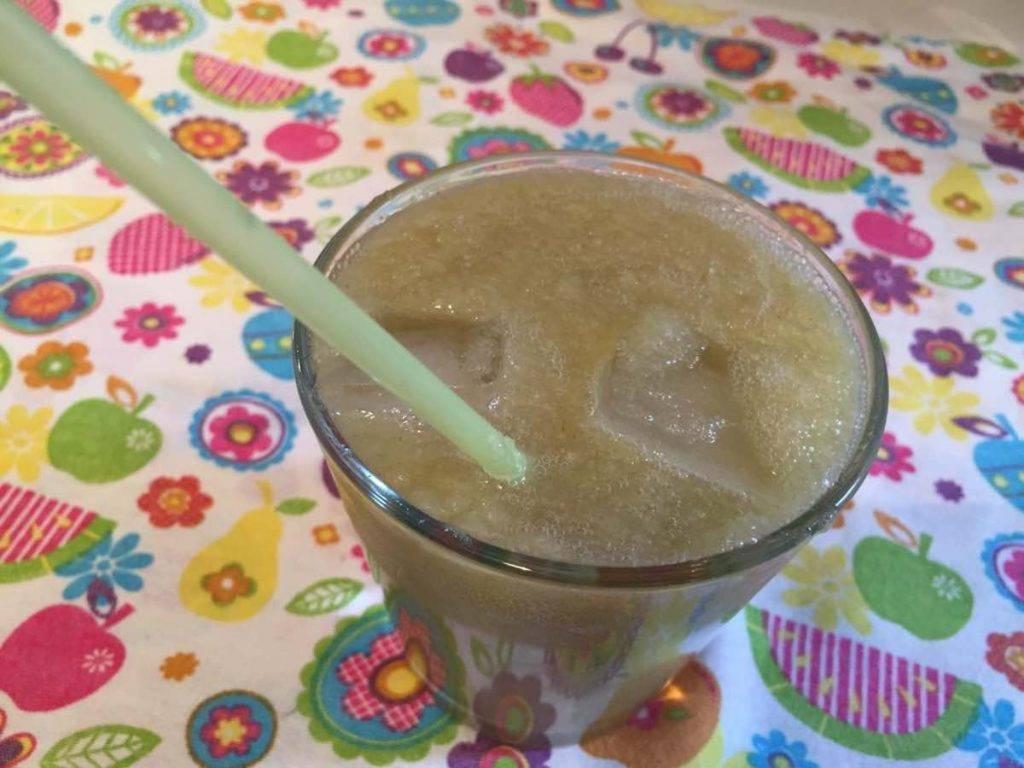 Smoothies detox, con mela, cetriolo e zenzero