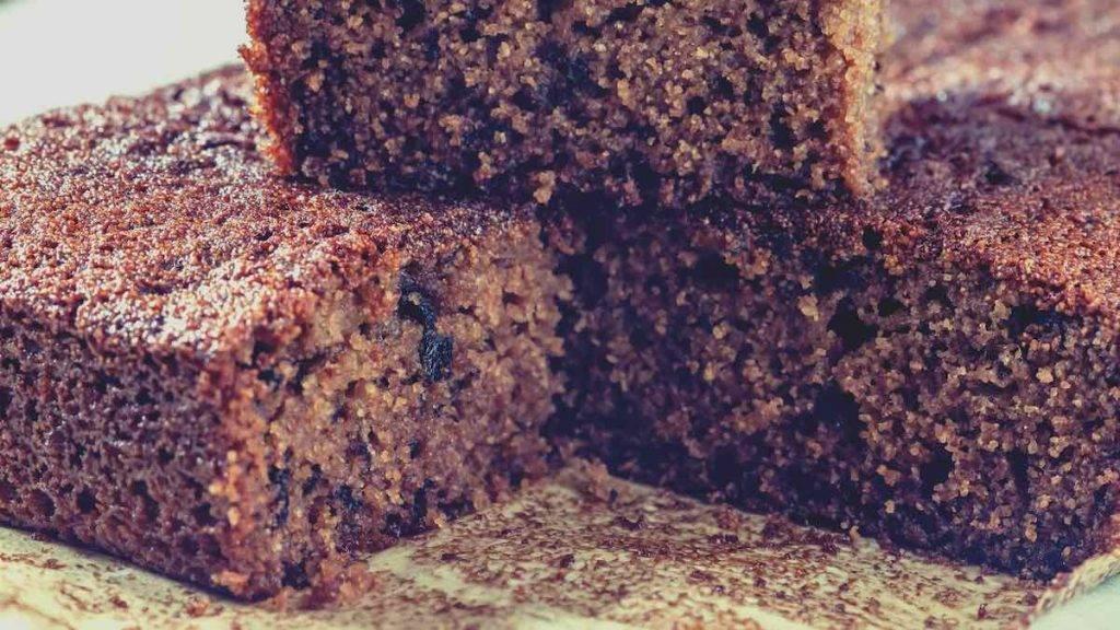 torta al cacao con fondi di caffè