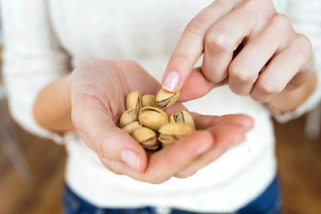 Dieta dei pistacchi e camminata: per dimagrire e proteggere il cuore