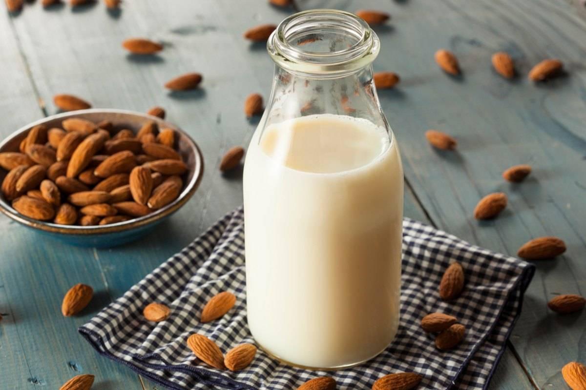 Latte di mandorla, tutti i benefici e le proprietà - ricettasprint.it