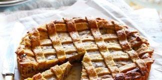 crostata di amaretti, mele e cioccolato