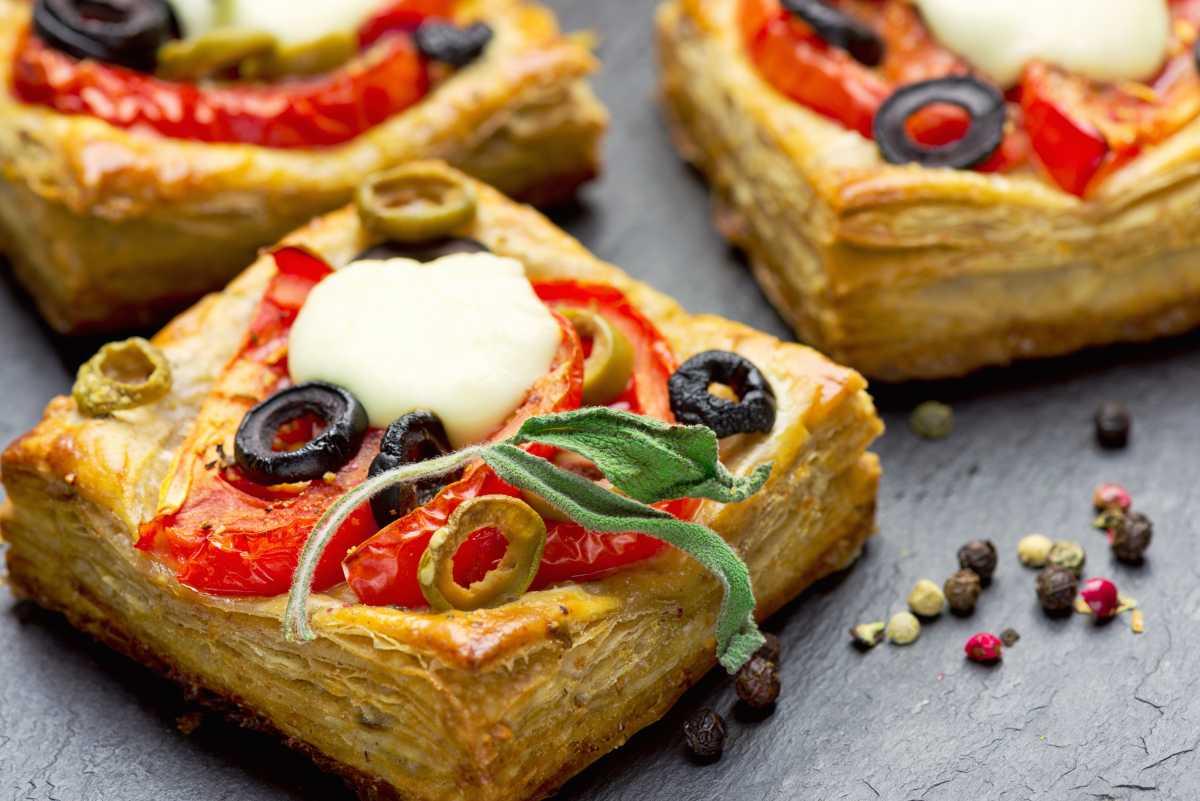Pizzette di sfoglia - ricettasprint.it
