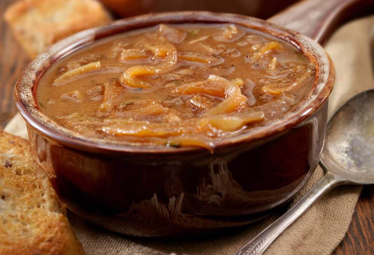 Zuppa estiva di cipolle e patate - ricettasprint.it