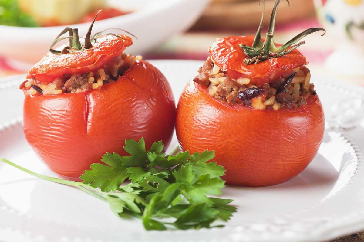 pomodori ripieni di Elisa Isoardi - ricettasprint.it