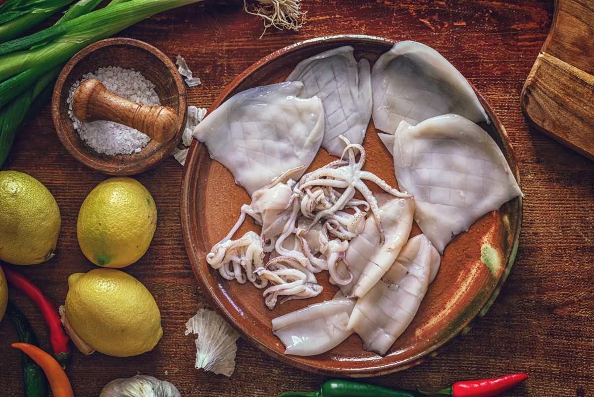 Come pulire i calamari, il metodo e le ricette più facili e veloci - ricettasprint.it