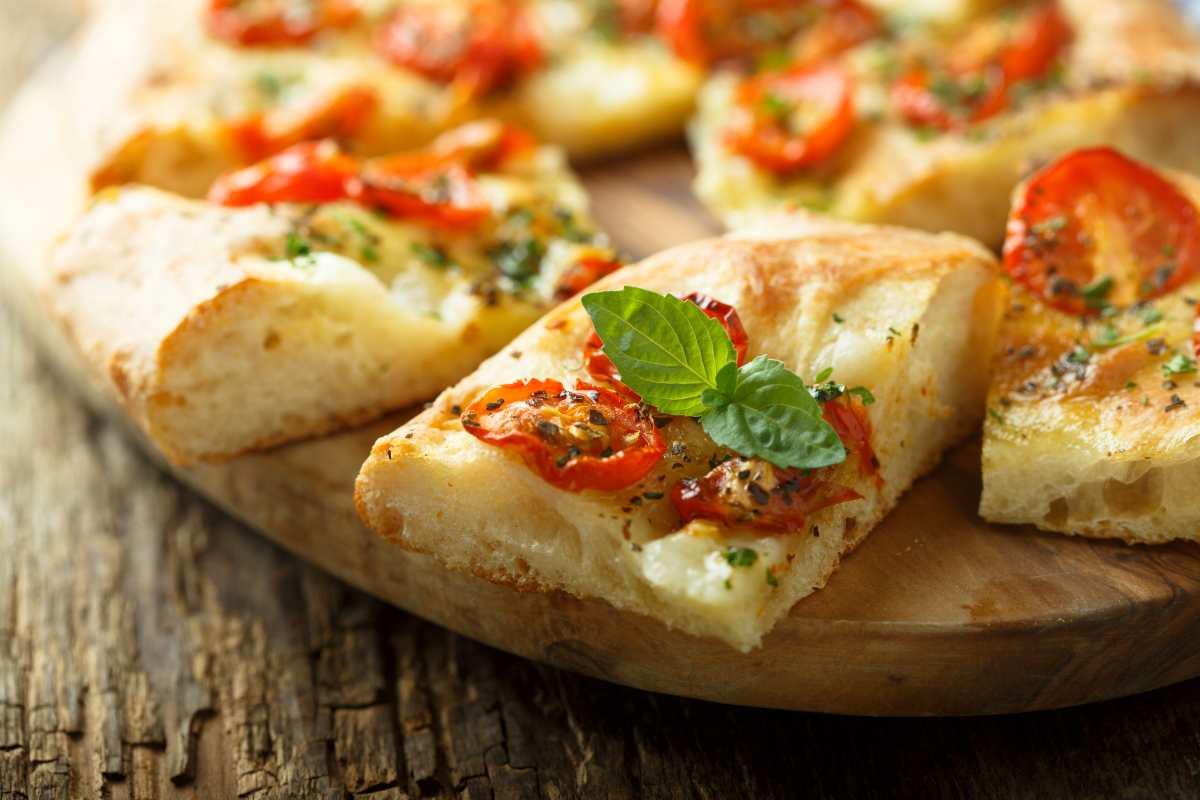 Focacce e pizze rustiche per Ferragosto - ricettasprint.it