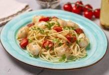 Spaghetti al nasello e pomodorini